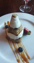 Carrot cake with cream